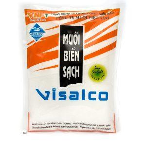 Muối biển sạch VISALCO 450g dạng tinh  Được sản xuất bằng công nghệ sạch, cô đặc lọc nước biển bằng cát và năng lượng mặt trời. Là công nghệ độc đáo duy nhất chỉ có ở miền Bắc Việt Nam có vị mặn dịu, ngon thuần khiết đặc trưng không mặn gắt, rất rễ hòa tan khi chế biến.